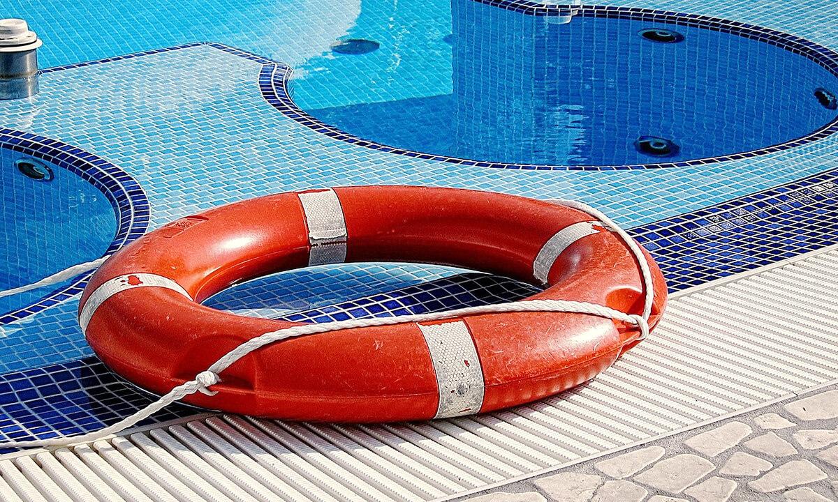 schwimmbad ein eigener pool selber bauen mit. Black Bedroom Furniture Sets. Home Design Ideas